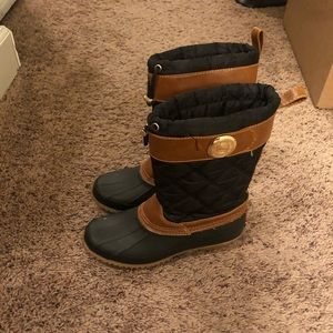 Tommy Hilfiger duck boots size 6